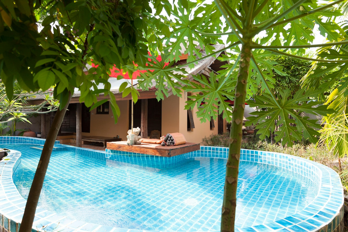 Lana style pool House room 2