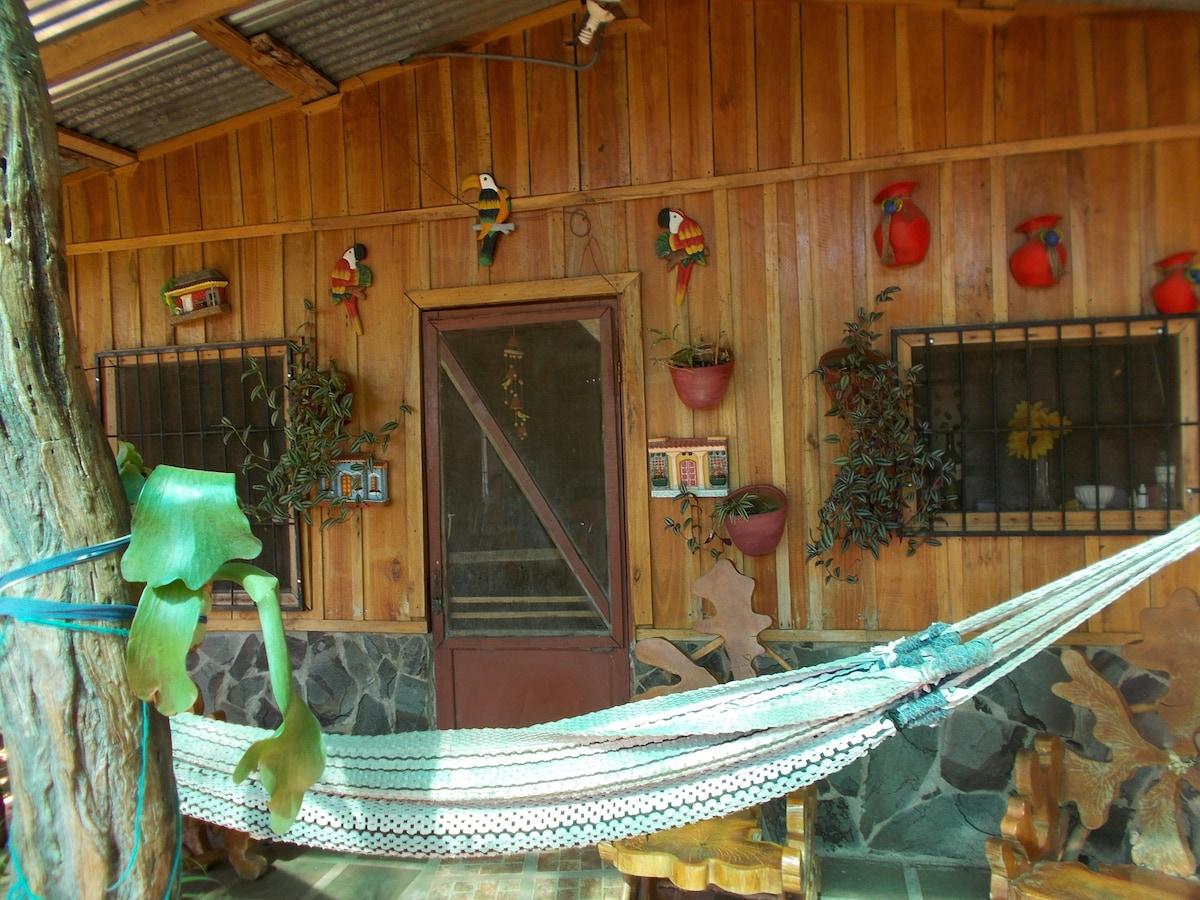 Hermosa cabaña rustica y mucha paz.