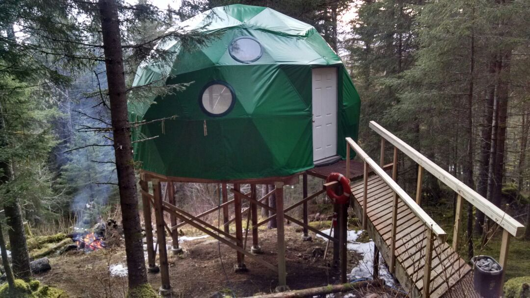 Off-Grid Geodesic Dome