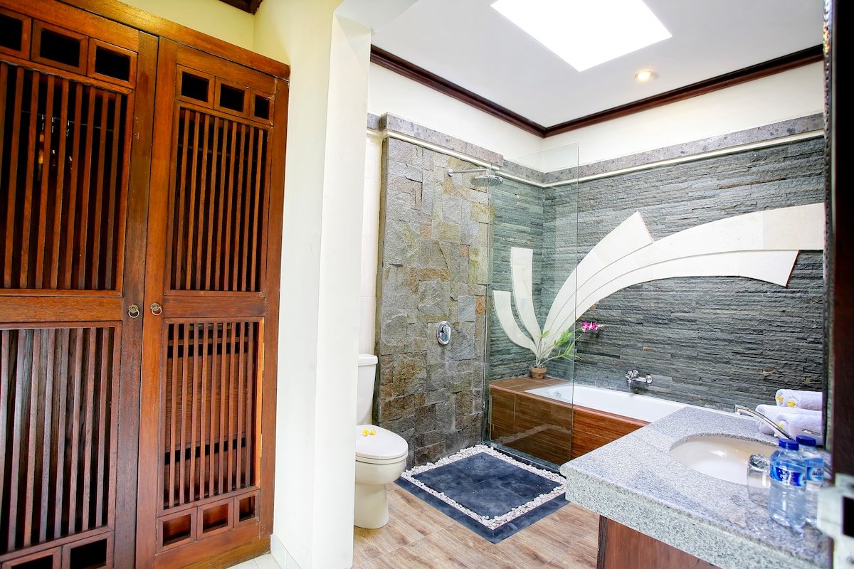 A Private & Luxury Homestay in Bali