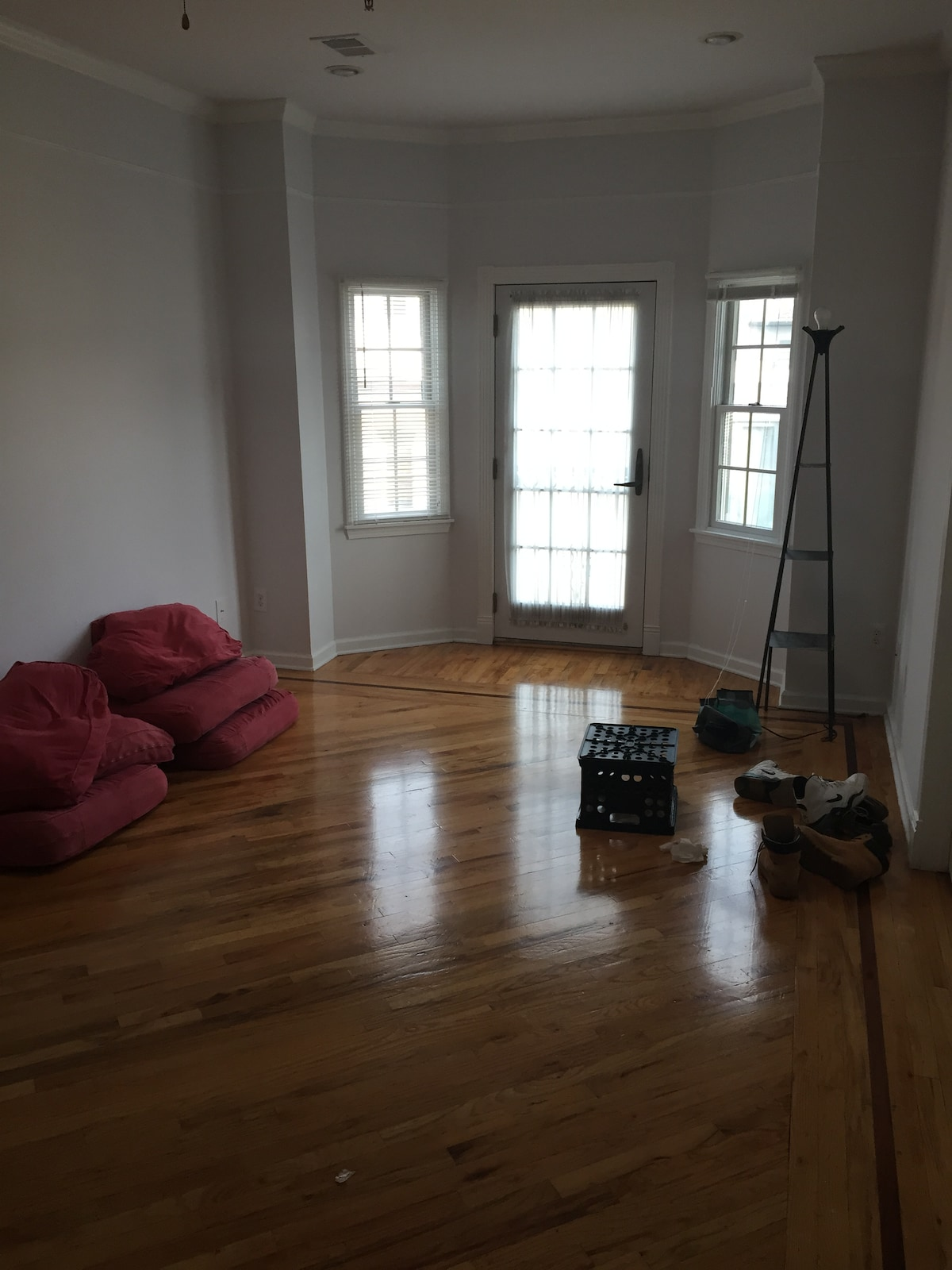 Master Bedroom Available for 4/25