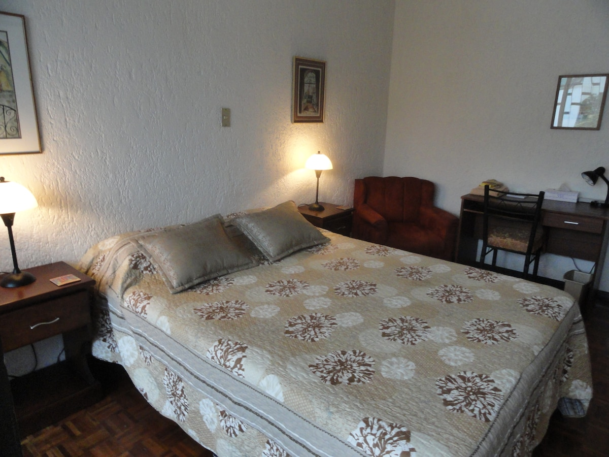 Superior room, queen-size bed, en-suite balcony, view 2