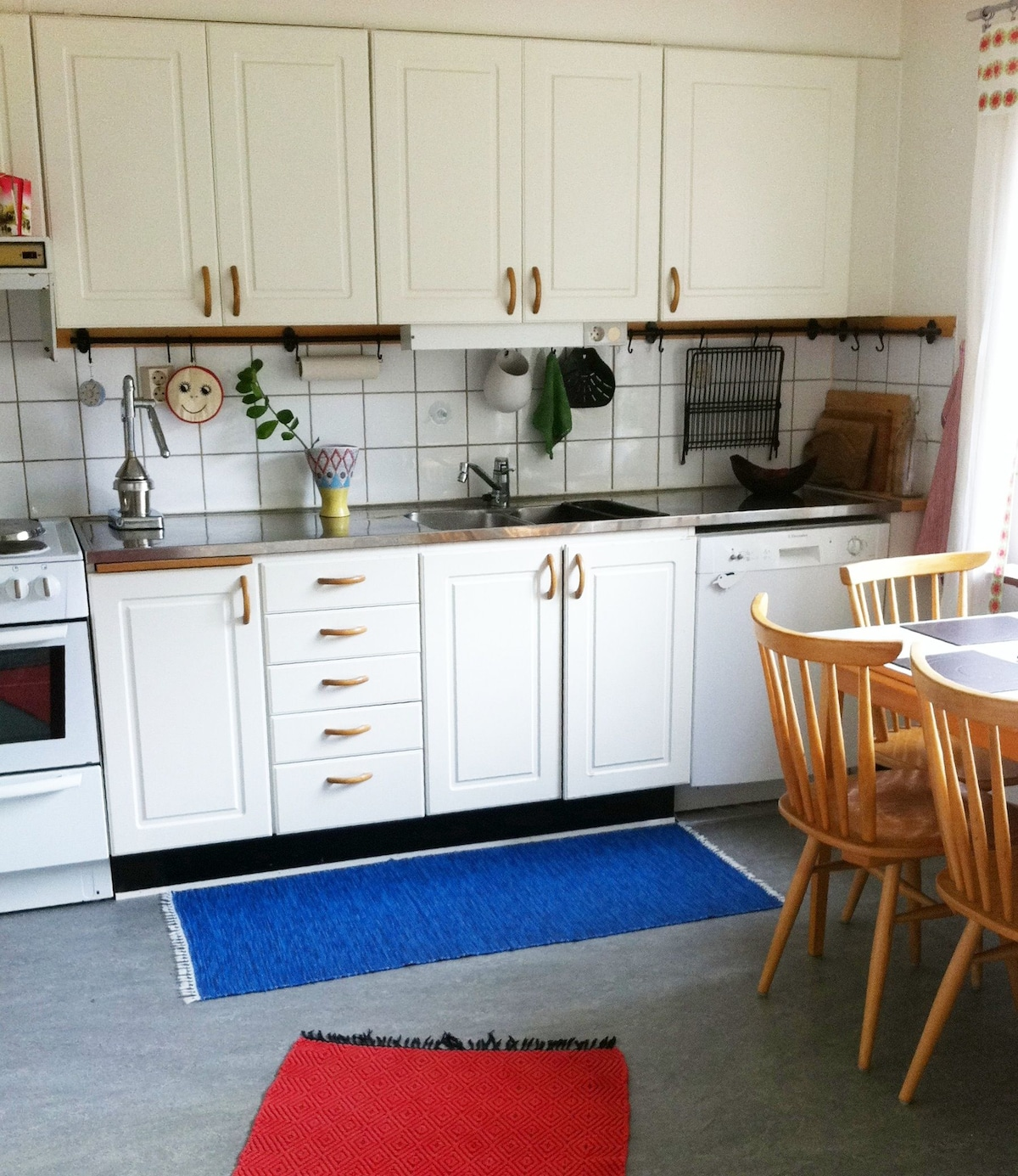 There is a large and spacious, fully equipped kitchen with all appliances including a microwave oven and full size dishwasher.