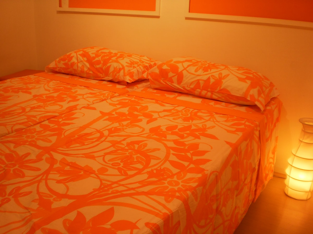 The room with two comfortable beds that can be joined or separated. Bedding and bath cleaner available.