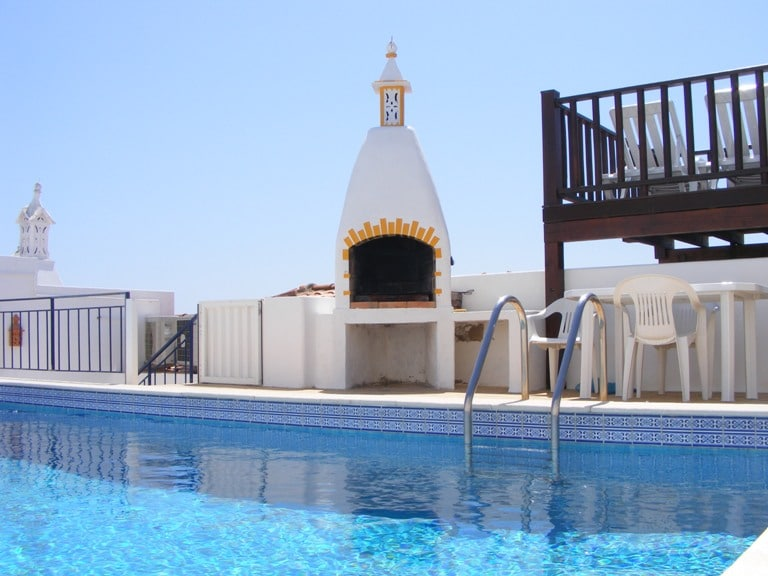 House, private pool, close to beach