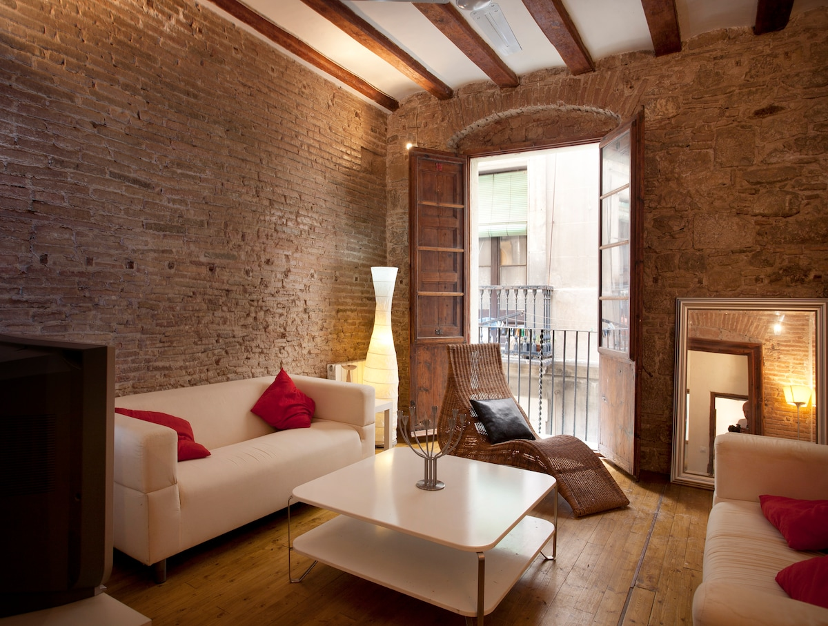 Gothic Market 2 bedrooms with WIFI