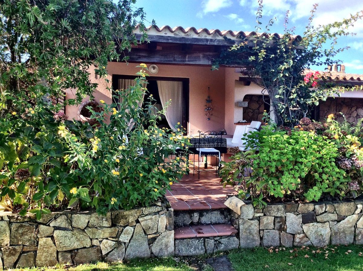 Lovely villa 5 mins from the sea