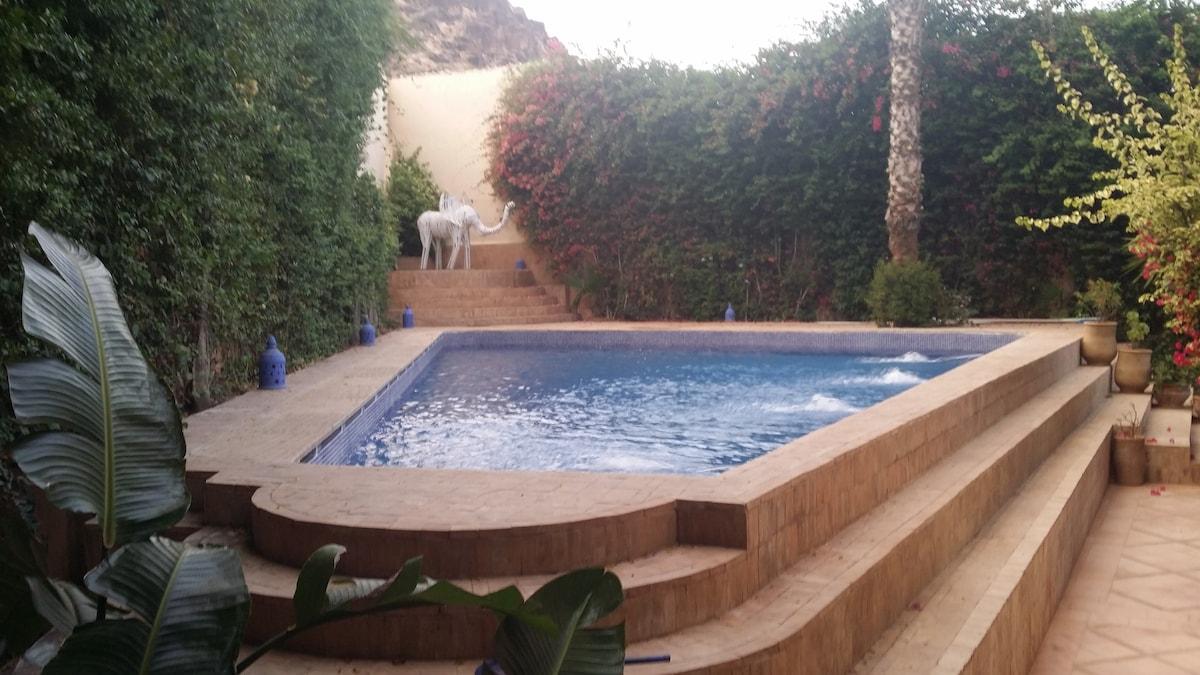 Private lodge, swimming pool, A/C