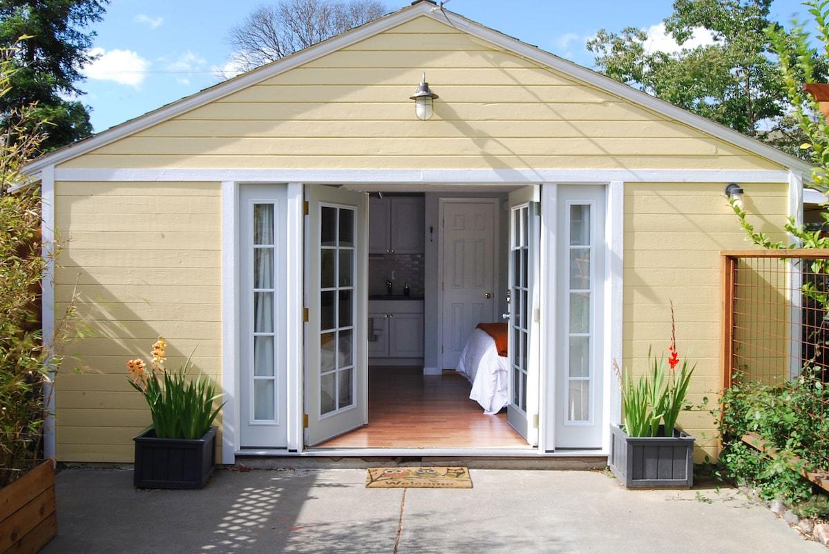 Charming Backyard Studio