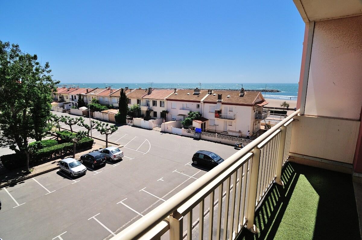 Appartement vue sur mer à 50m plage