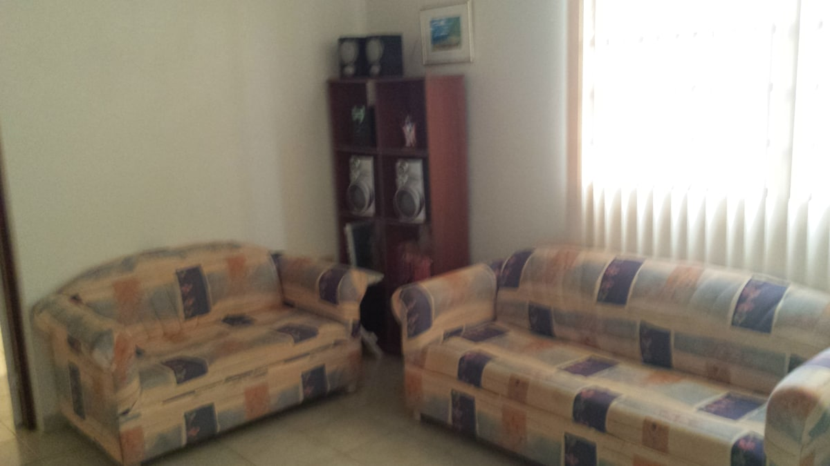 Apartment Close to Beaches and Town
