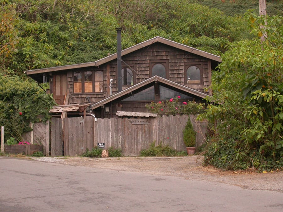 """""""Just A Minit"""" Bolinas Cottage"""
