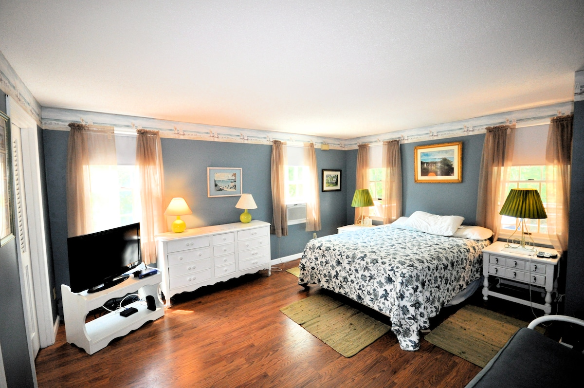 CAPE COD HOME - 500 yds from beach