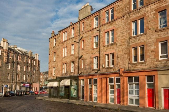 Lovely Leith flat, space for 2-4