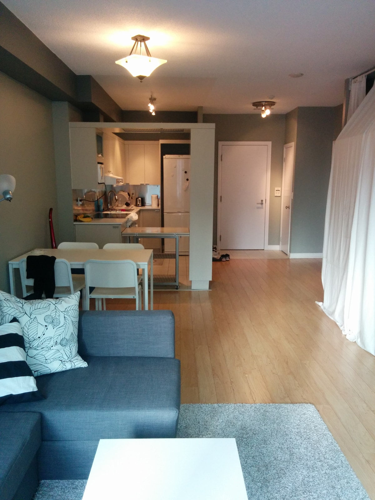 BEDROOM AVAILABLE DOWNTOWN TORONTO