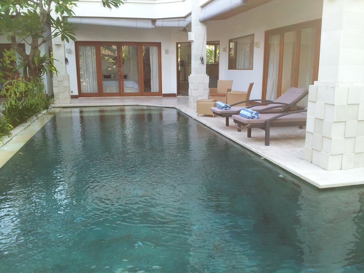 villa luxe rent room suite seminyak
