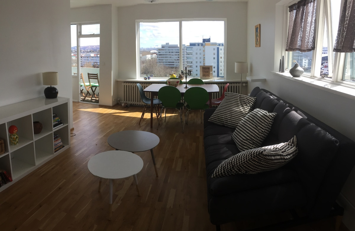 Centrally located flat with a view