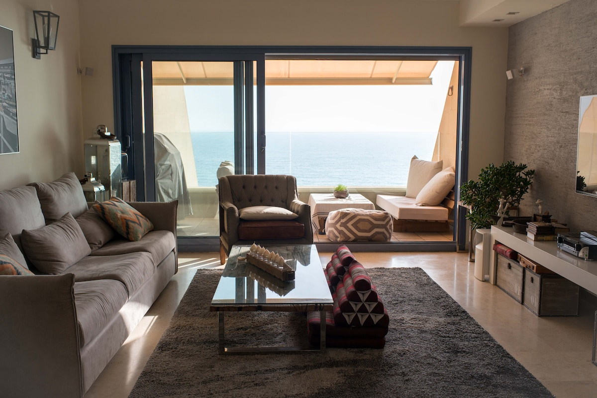 Glorious Beach Penthouse! Sea & Sun
