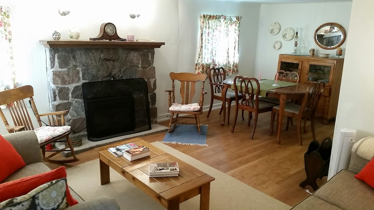 Antique-filled guesthouse Wasaga
