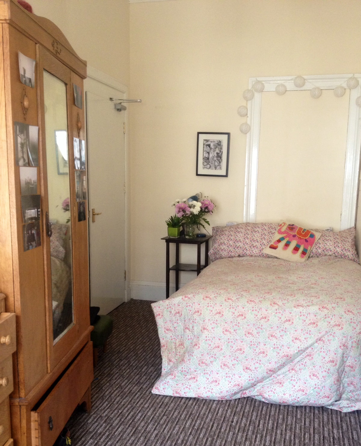2 Person Flat, Centre of Old Town