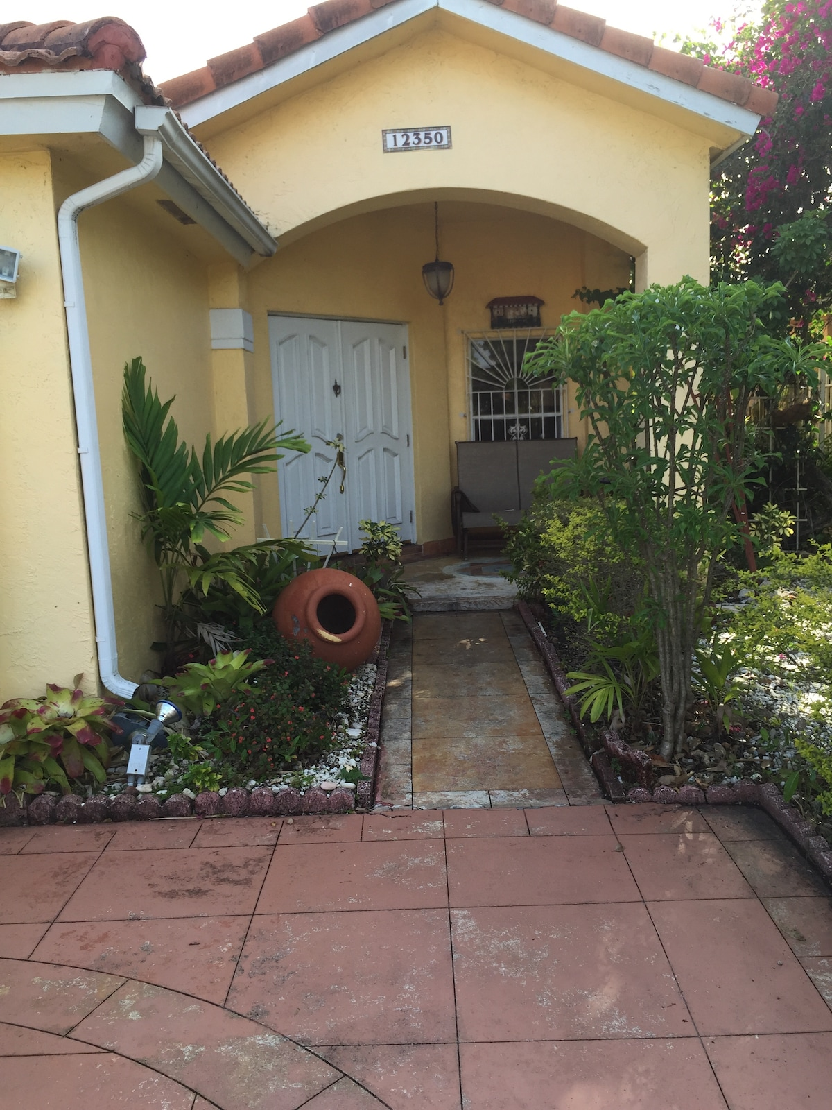 Family home just 25 min from SoBe