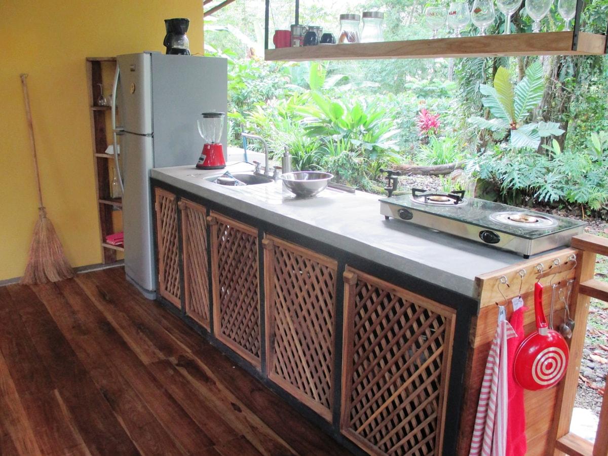 Stylish Jungle Apartement