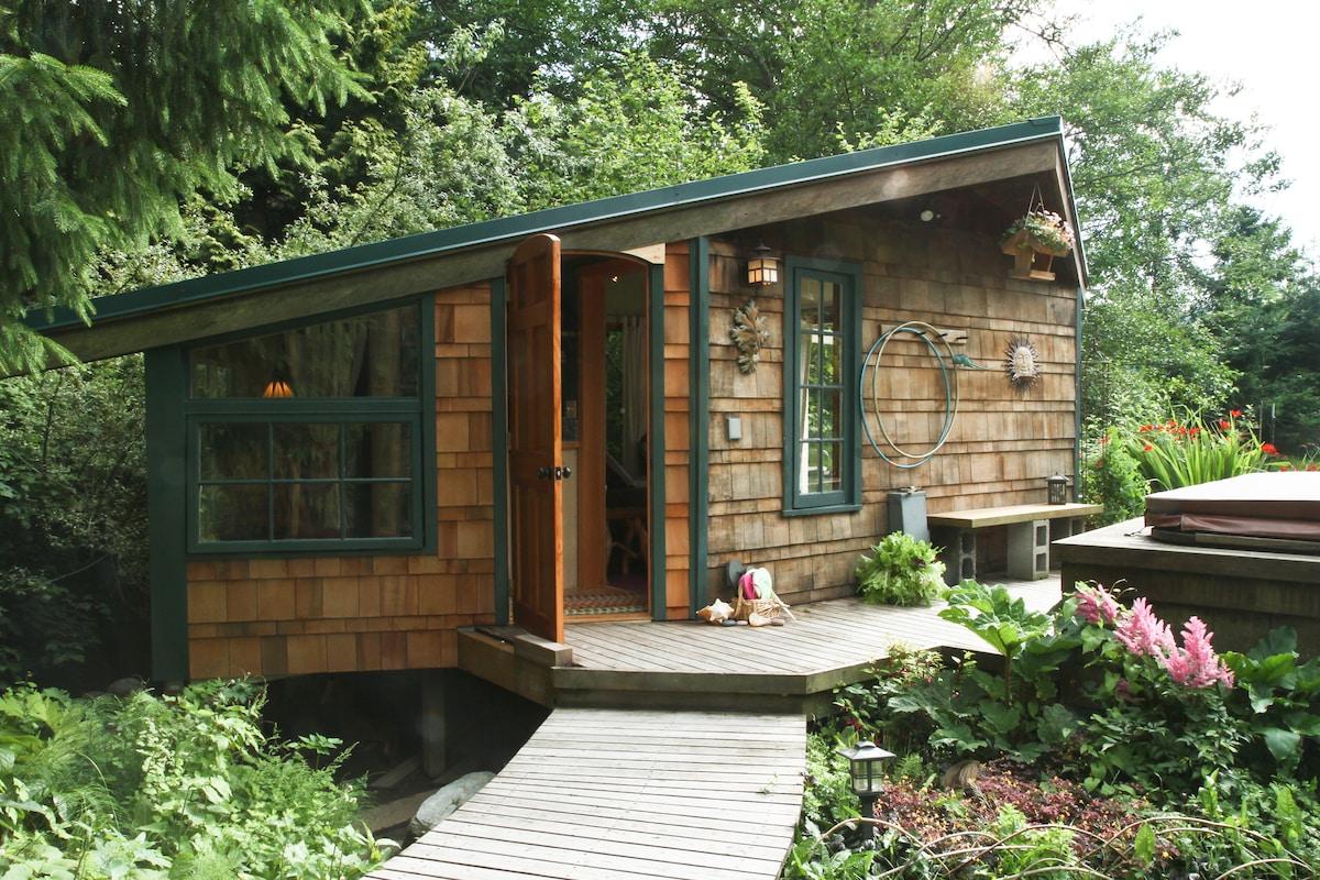 Hobbit House on Chuckanut Bay