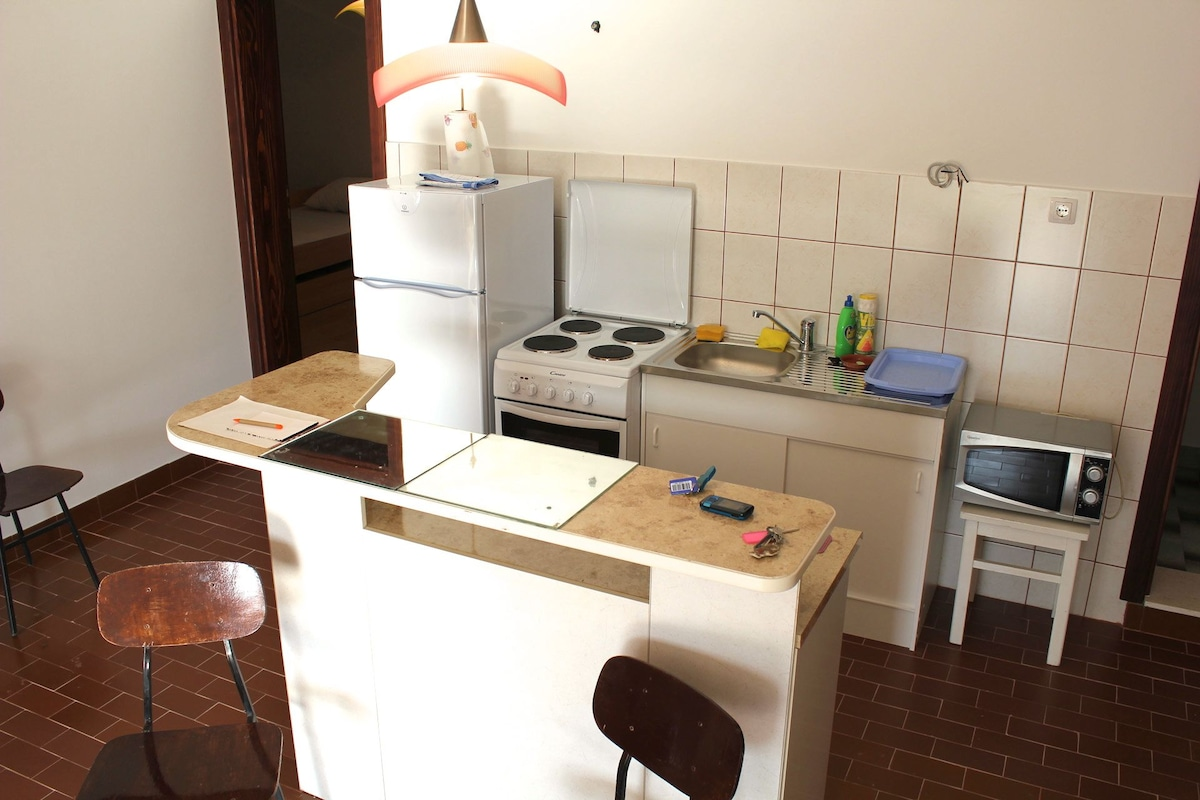 the bar&kitchen part with all amenities