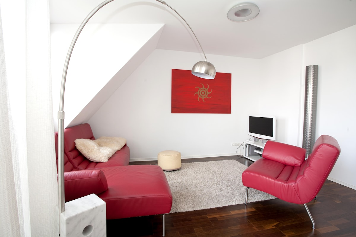 A sunny Penthouse at good address