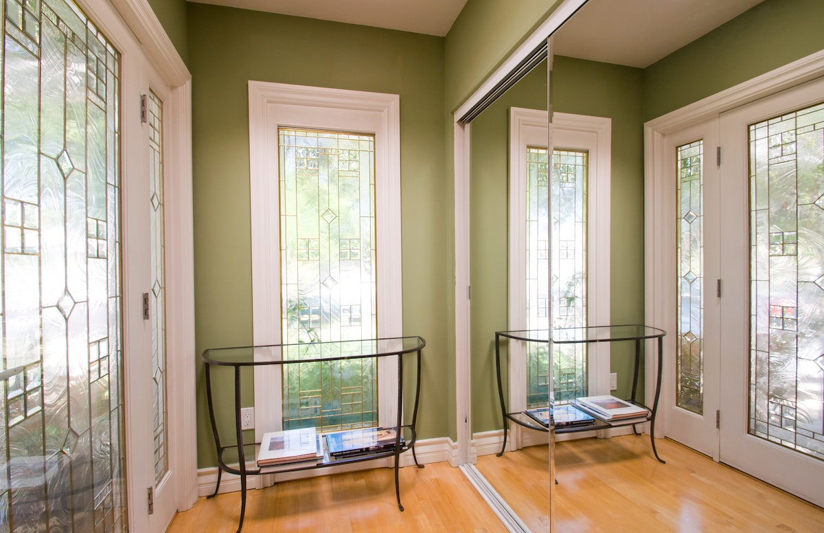 Entryway with skylite and leaded glass doors