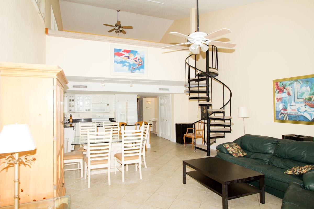 Beachfront 3-Bedroom, Gorgeous!