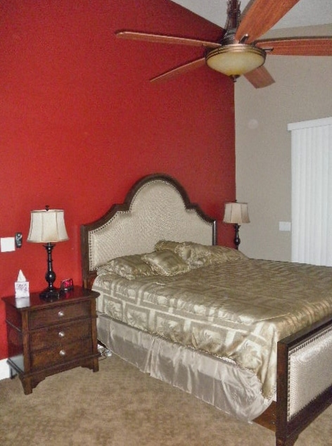 The Red Room - king bedroom w/ en-suite bathroom and balcony