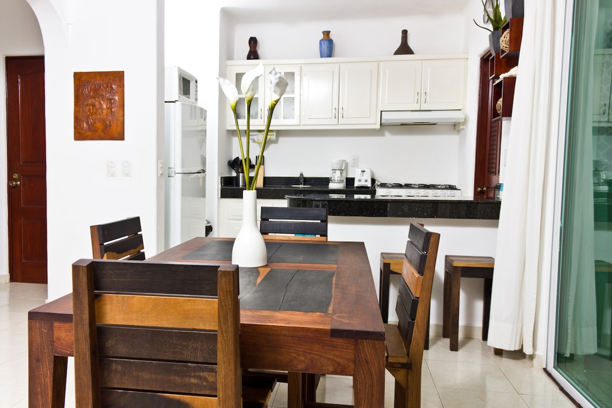 Large dining area for relaxing at your vacation home with a meal - seats up to 6