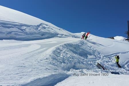 Ski slopes situated flat, 2 bedrooms, Pool & Sauna - Byt