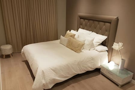 Best location: Apartamento GranVia4 new - Pis