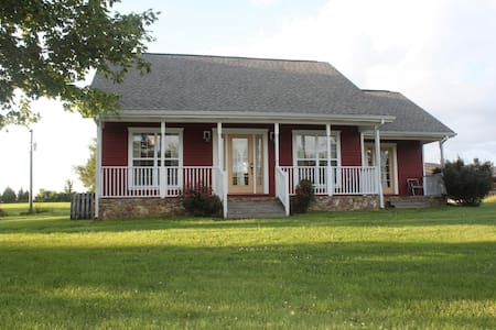 Quite, Secluded, Trails, Wildlife on 120 Acres - Cottontown - Huis