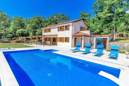 Luxurious villa, quiet rural location and sea view - Veprinac