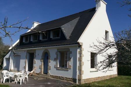 Maison au bord du Golfe du Morbihan - Hus