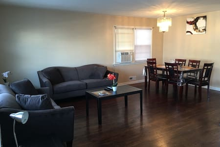 Cozy 3-BR Home - Minutes to  NY City & EWR Airport - Hus