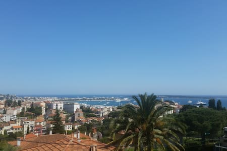 Sunny studio, quiet area, sea view 180° in Cannes - Cannes - Apartment