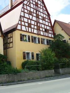 Bauernhaus denkmalgeschützt am Dorf - Engelthal