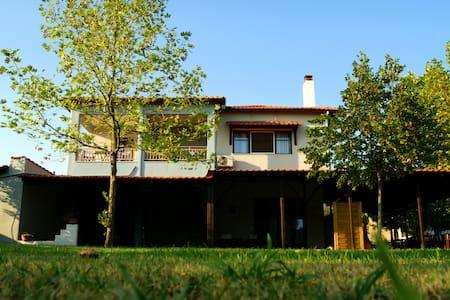 Luxury rooms Elizabeth's House - Villa