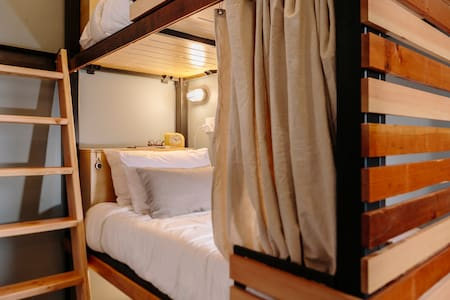 Room type: Shared room Bed type: Real Bed Property type: Other Accommodates: 1 Bedrooms: 1 Bathrooms: 1