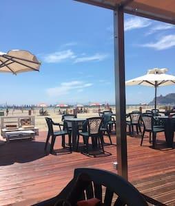 Stanza matrimoniale con bagno privato al Poetto - Cagliari - Villa