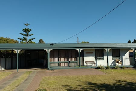 Acacia cottage - House