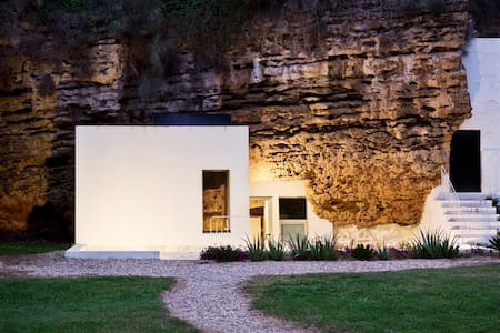 Suite in the Nature, Cave House - Earth House