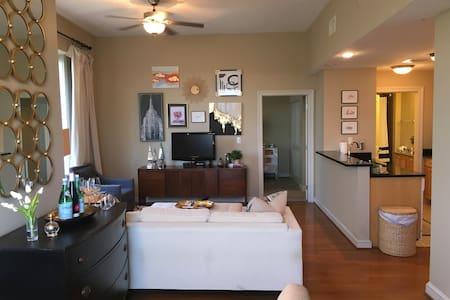 Beautiful Downtown Highrise - 1BR! - Jackson - Appartamento