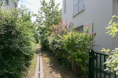 Appartement RDC avec jardin - Stains