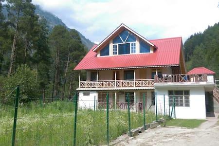 Parvati Woods Wooden Suites - Villa
