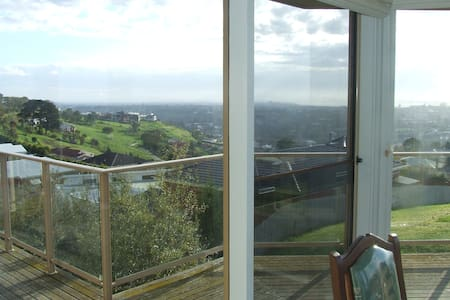 Great View on a high point - Highton - House